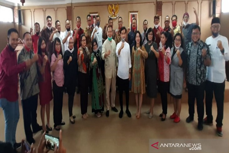 Putra Presiden Gibran silaturahmi ke Fraksi PDIP DPRD Surakarta