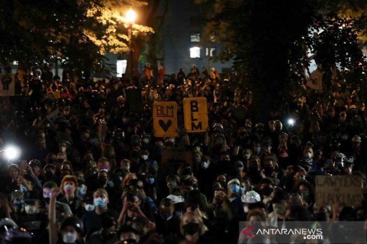 Ribuan orang unjuk rasa ikuti Black Lives Matter di Seattle-AS