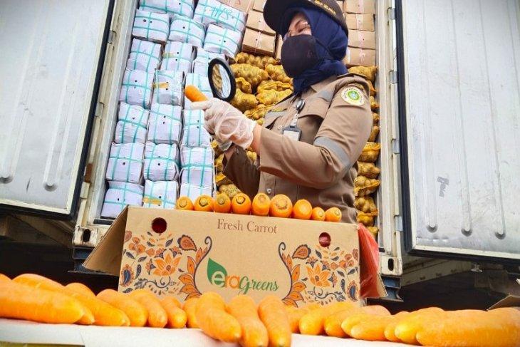 APEC reasserts pledge to facilitate essential goods, service movement