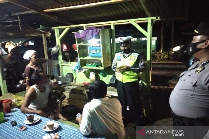 Polres Tapanuli Selatan patroli protokol kesehatan malam hari