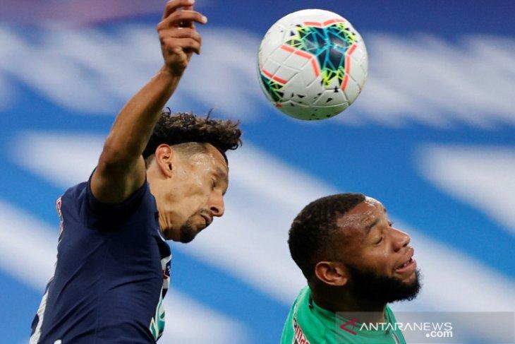 Olympiakos merekrut pemain Prancis Yann M'Vila