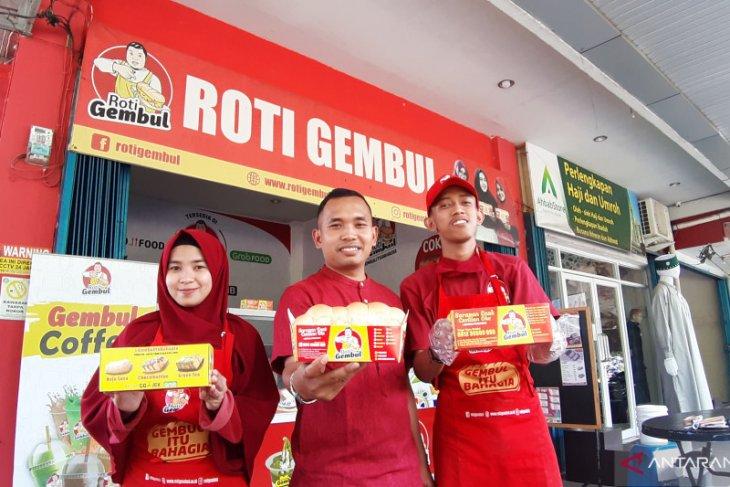 Roti Gembul kampanyekan produk halal dan wajibkan karyawan shalat dhuha