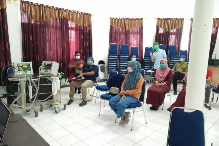 Adaro Group provides training on the use of ventilator for nine hospitals