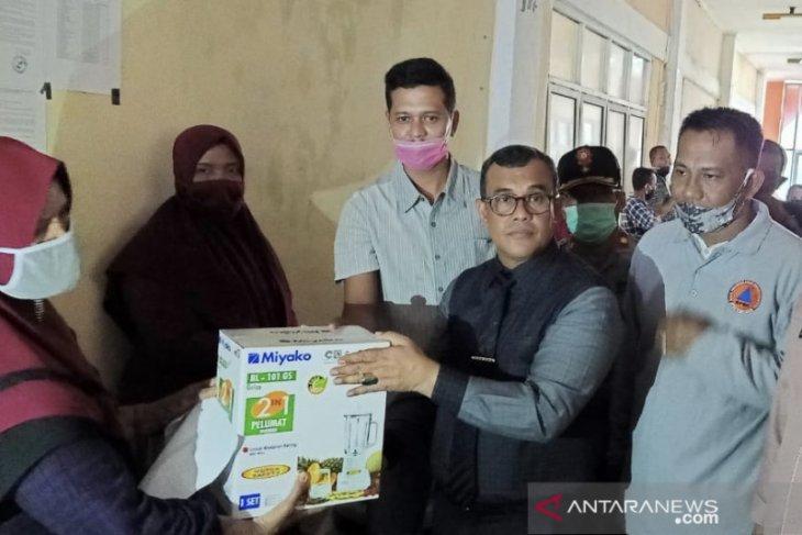 266 keluarga rentan miskin di Aceh Jaya terima bantuan usaha