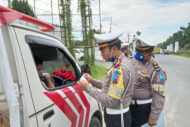 Masker untuk pengendara di Operasi Patuh Toba 2020 Simalungun