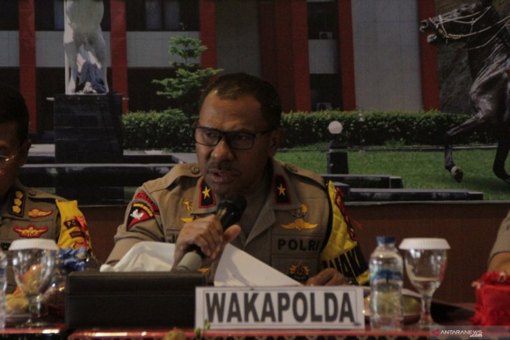 Johni Asadoma,  dari bintang ring tinju menjadi polisi berbintang satu