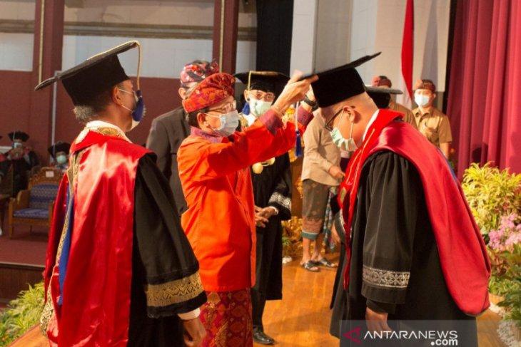 Dua guru besar baru ISI Denpasar ditetapkan saat Dies Natalis XVII