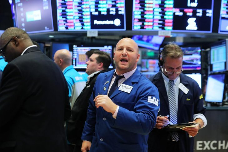 Wall Street lebih tinggi, investor pantau stimulus, pandemi dan laba emiten