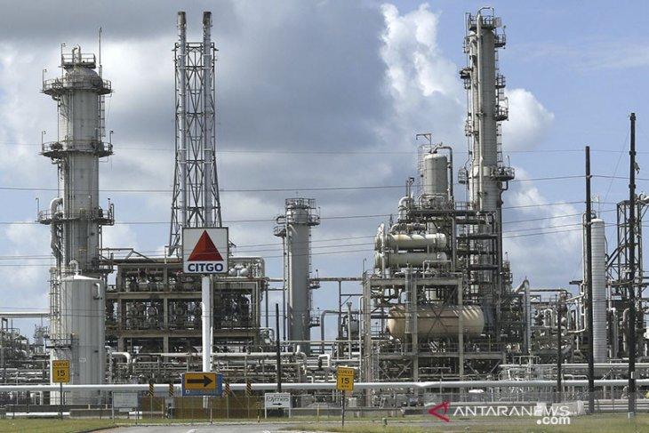 Harga minyak naik ditopang harapan stimulus, dibayangi lonjakan Corona