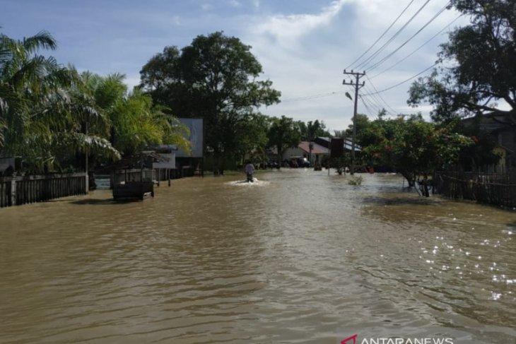 Banjir rendam 23 desa di Nagan Raya, akses transportasi lumpuh