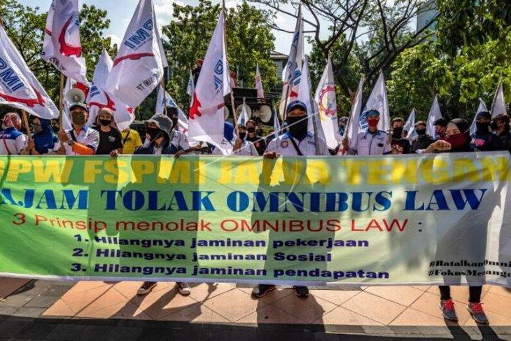 Unjuk rasa tolak RUU Omnibus Law