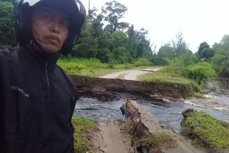 Aceh Singkil's four sub-districts hit by floods, landslides