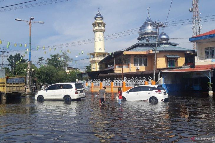Banjir masih genangi sebagian Kota Singkawang