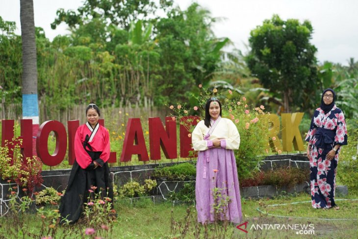 Holland Park Gorontalo tawarkan sensasi wisata bunga nuansa Jepang