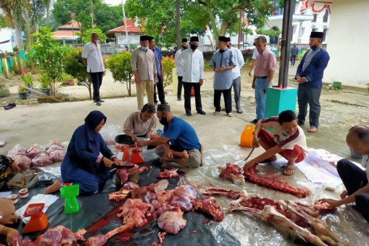 Pemkab Asahan bagikan 7.800 daging kurban ke masyarakat