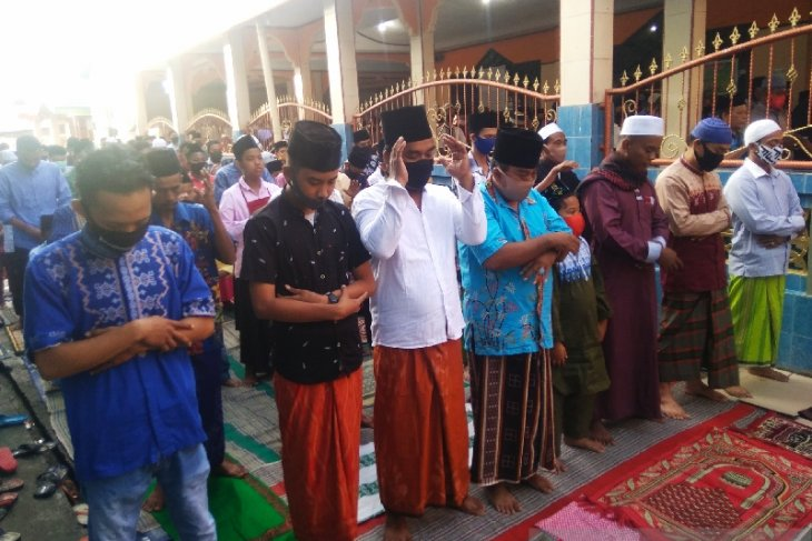 Muslims should pray for Indonesia's success against COVID-19: Khateeb