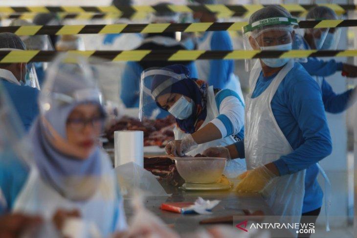 Pemotongan Hewan Kurban di RPH Pegirian