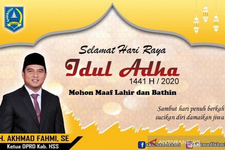 Berbagi kebahagiaan di Hari Raya Idul Adha, Ketua DPRD HSS bantu sapi kurban