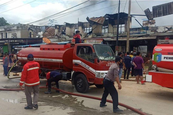 Ruko di Simpang Pinoh Terbakar