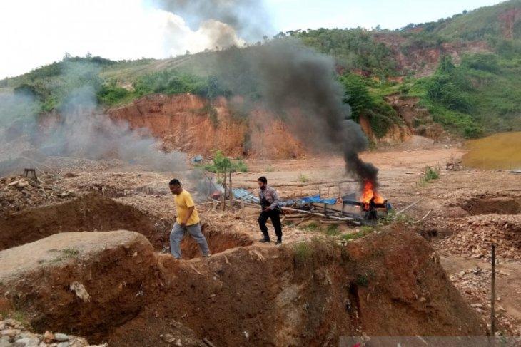 DPRD  Perlu kajian untuk buka tambang emas di Gunung Botak