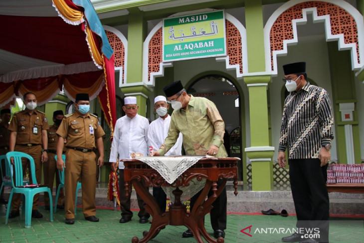 Penandatangan prasasti tandai peresmian Masjid Al Aqabah Kayu Abang