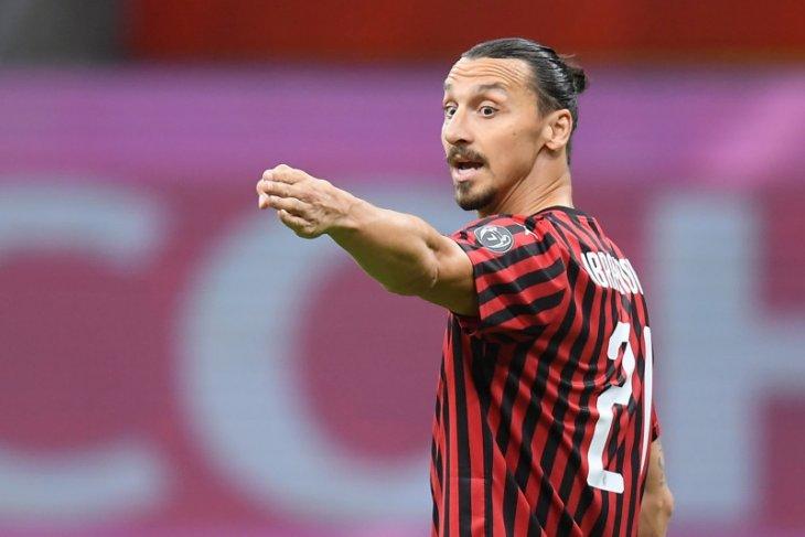 Maldini isyaratkan  Ibrahimovic tetap di San Siro
