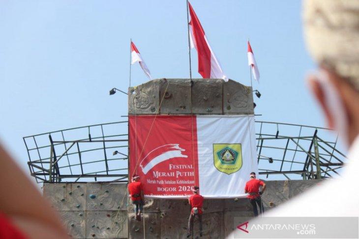 Sambut HUT Kemerdekaan RI, Forkopimda Bogor kibarkan bendera raksasa
