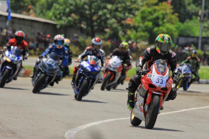 Bersama Honda CBR 250 RR, Ricky Halim berhasil naik podium