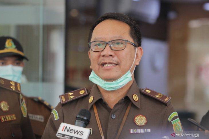 Kejaksaan Agung  tetapkan Jaksa Pinangki sebagai tersangka dan langsung ditangkap