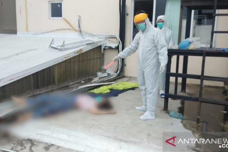 Polisi sebut pasien COVID-19 yang bunuh diri di RS Royal Prima diduga stres