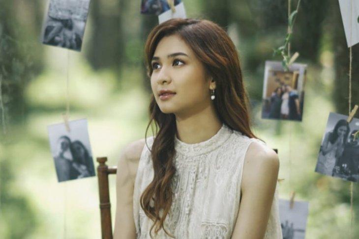 Mikha Tambayong persembahkan lagu