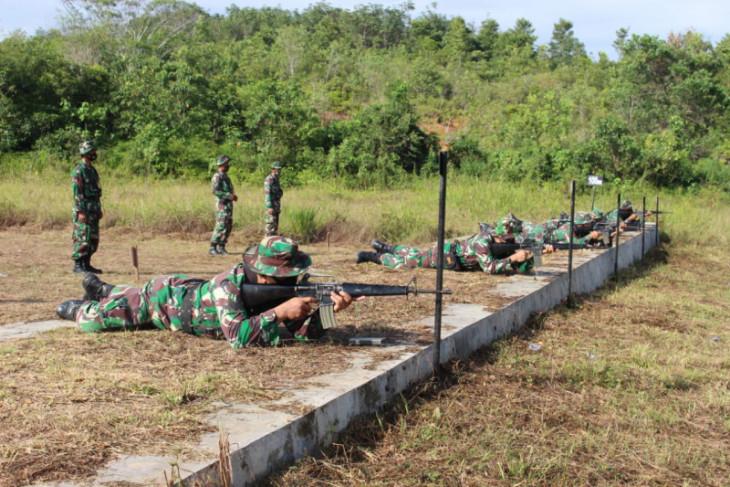 Kodim 1008/Tanjung soldiers train to hone shooting skills
