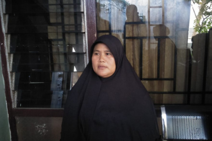 Seorang ibu digugat anak kandungnya karena tanah warisan hingga uang pensiunan
