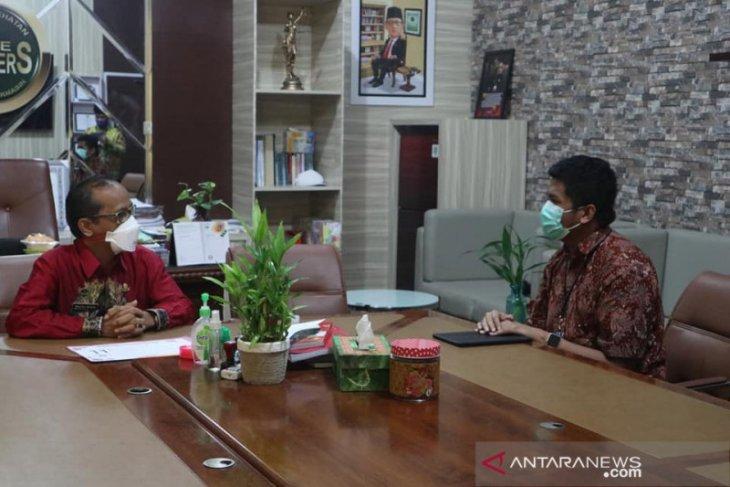 Satgas COVID-19 nasional dan Kadinkes Banjarmasin diskusi penanganan corona