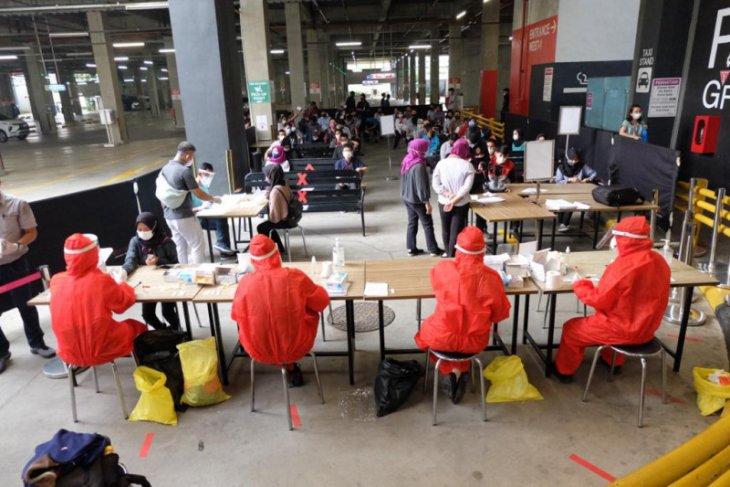 AEON Mall BSD City laksanakan tes usap karyawan