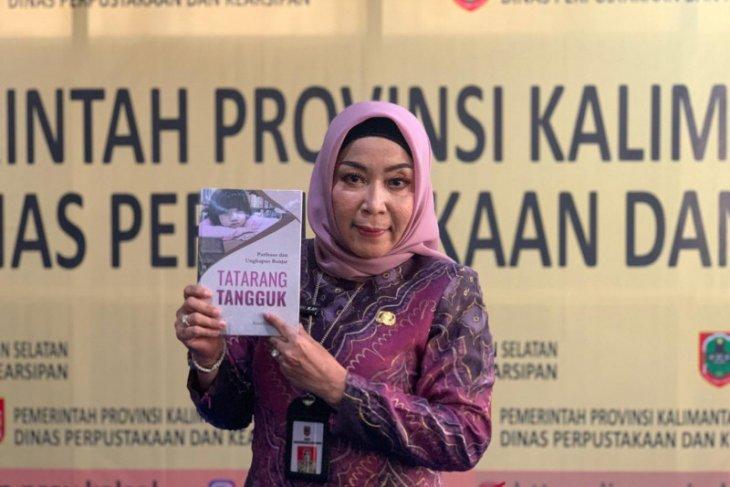 Diskusi buku Tatarang Tangguk Masa Depan Paribahasa Banjar bersama LK3
