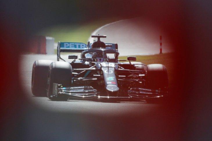 Hamilton lanjutkan dominasi Mercedes di Silverstone pada sesi latihan bebas kedua