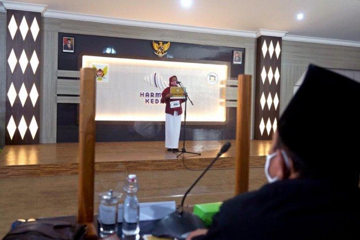 130 calon mahasiswa ikut audisi beasiswa di Kota Kediri