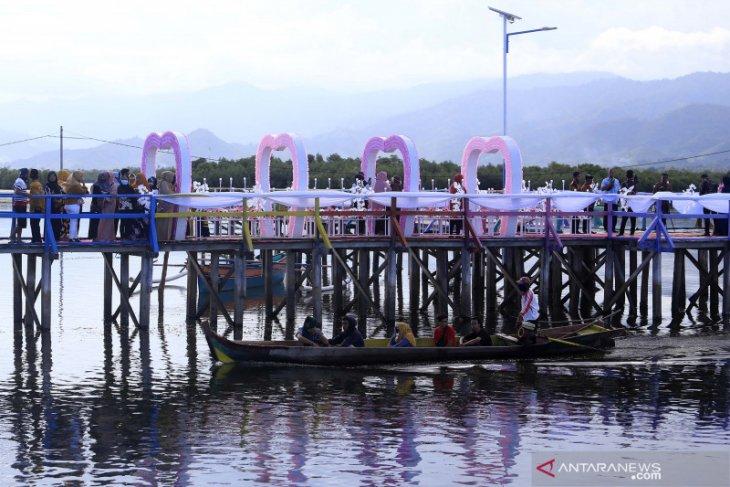 Permukiman suku Bajo Torosiaje Pohuwato mulai dikunjungi wisatawan