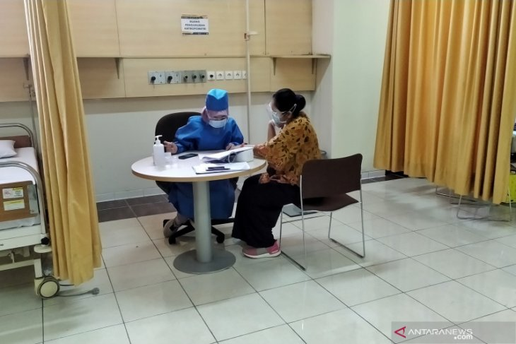 COVID-19 vaccine clinical trials: 21 volunteers undergo swab test