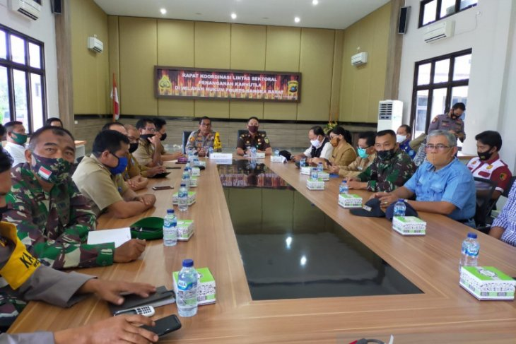 Polres Bangka Barat ajak perusahaan aktif tanggulangi karhutla