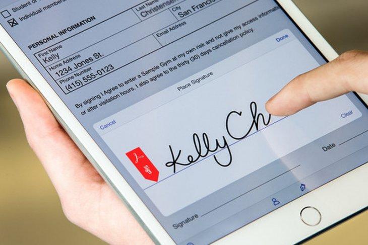 Tanda tangan secara elektronik solusi transaksi digital era normal baru