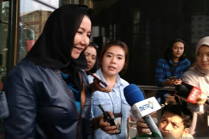 Five witnesses face KPK's questioning over money laundering case