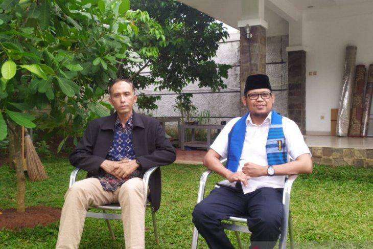 IBH perkenalkan Asep Arwin penggantinya di DPRD Jabar