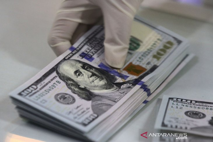 Dolar naik tipis terangkat data manufaktur setelah melemah di awal
