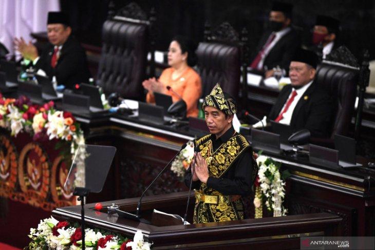 Presiden Jokowi berterima kasih kepada seluruh tenaga medis