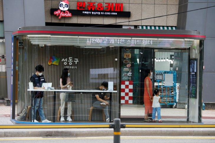 Seoul punya halte bus khusus, pelindung dari COVID-19
