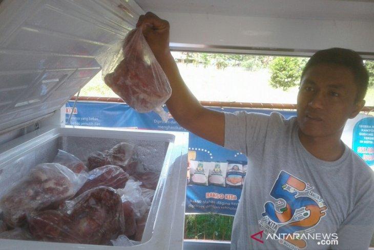 Bulog Rejang Lebong siapkan 3,4 ton daging beku