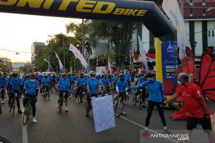 Ganjar Pranowo lepas 50 dokter jalani rangkaian Tour de Borobudur 2020