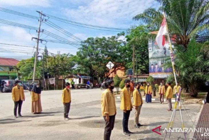 Puluhan mahasiswa Kaltim gelar aksi saat peringatan HUT RI